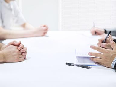 弁護士と対面相談